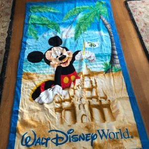Mickey Mouse Walt Disney World Beach Towel NWT